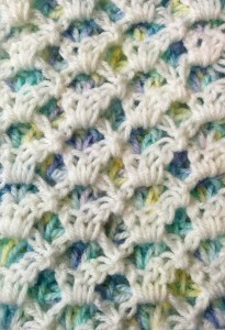 Reversible 2-color crochet shells